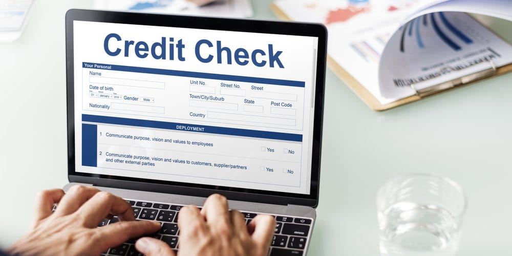 Combining Same Day Credit Inquiries: Who Does and Who Does Not?
